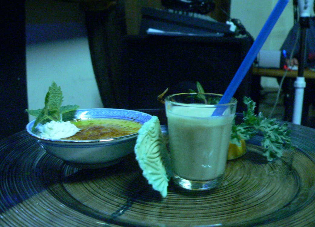 Velouté de fenouil, gelée de courge à l'absinthe et sa cuisse de grenouille, crème brûlée à l'anis vert