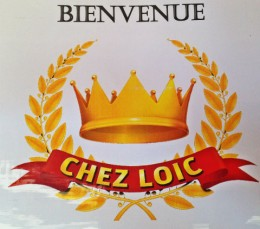 chez loic featuring